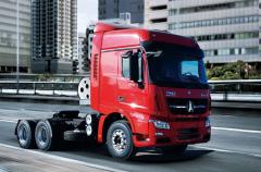 北奔重汽V3ET牵引车,安全节能行车更高效!