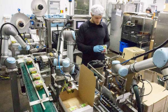 UR协作机器人机器手臂的4种unique应用